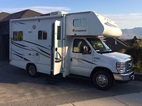 Small Class C Motorhome for Rent